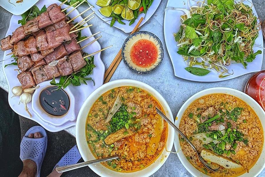 Ăn vặt Quy Nhơn - Gọi tên 5 con đường ăn uống nhộn nhịp nhất